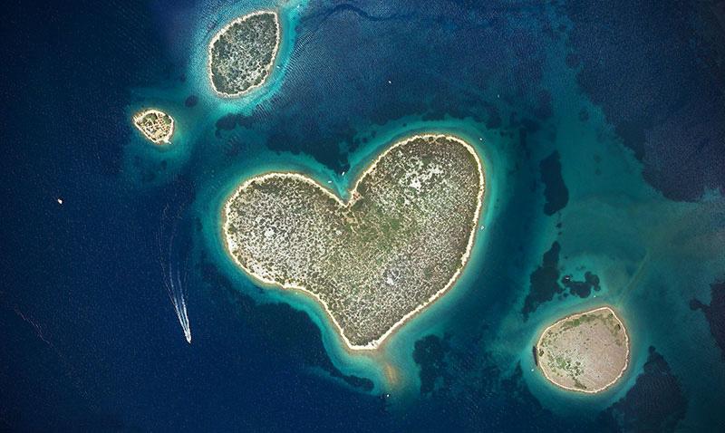 LA famosa Isola a Forma di Cuore in Croazia
