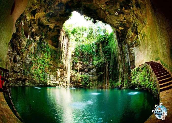Cenote in Messico