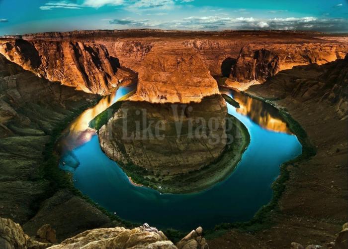 Il ferro di cavallo creato da una curva del fiume Colorado in Arizona