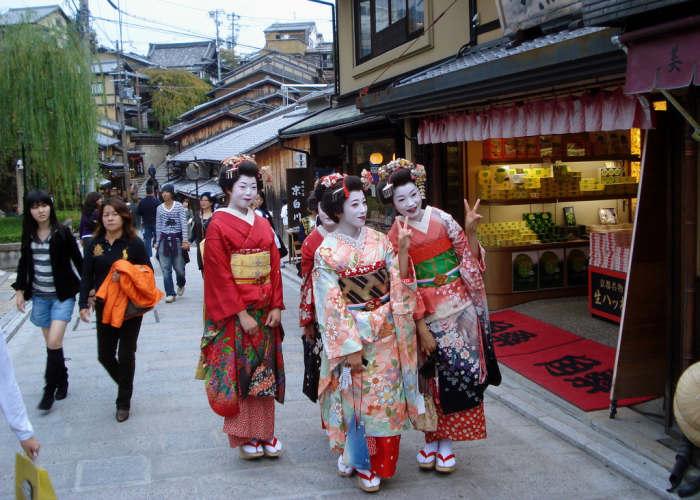Tre Geisha