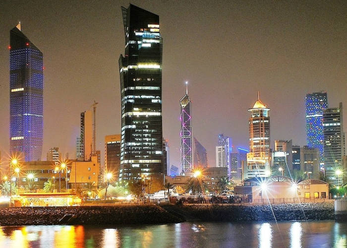 Kuwait City Notte