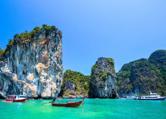 Phi Phi Island. Scogliera Phuket